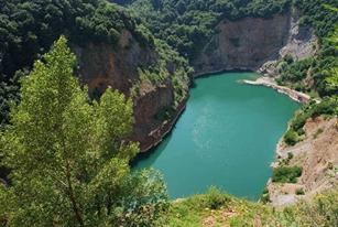 بحيرة ليديناكو سريم صربيا